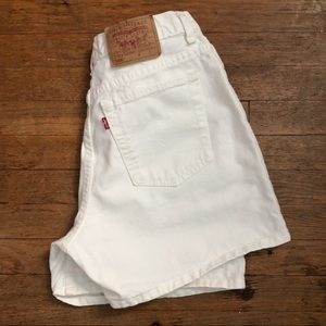 Vintage Levi's 555 Guy's Fit High Waisted Shorts